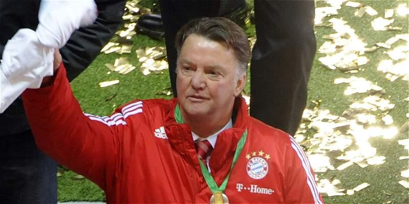 Van Gaal es una opción para dirigir a James Rodríguez en Bayern Múnich