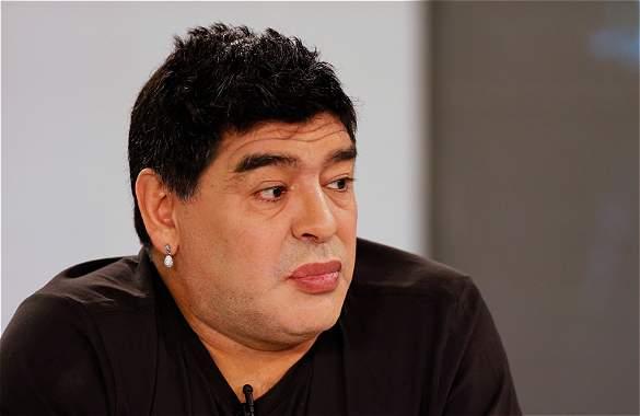 'Mamadona': así se burlan en Alemania de los labios de Maradona