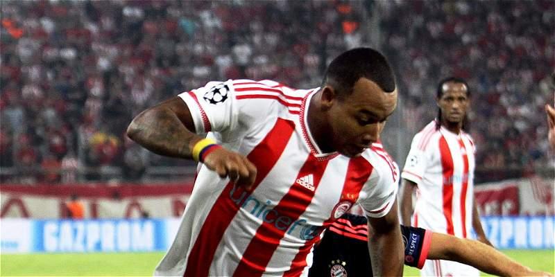 Con Felipe Pardo 67 minutos, Olympiacos cayó goleado 4-0 por el Bayern