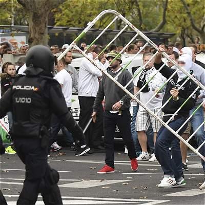 Trece hinchas del Legia, detenidos por causar incidentes en Madrid