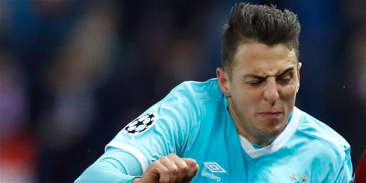 Santiago Arias será suplente en PSV, que visita al Bayern Múnich