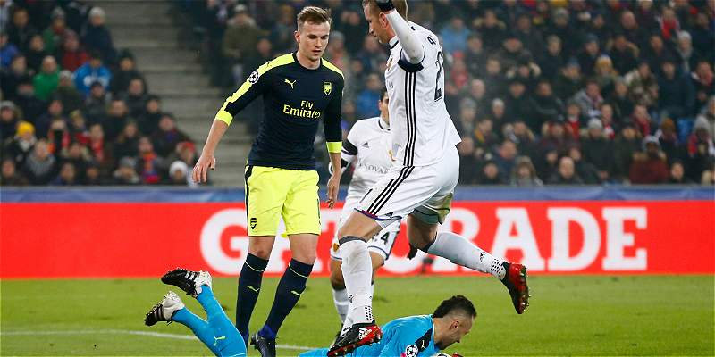 Con David Ospina, Arsenal goleó 1-4 al Basilea en la Champions League