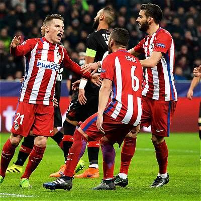 Atlético, con efectividad y buena defensa, venció 2-4 al Leverkusen