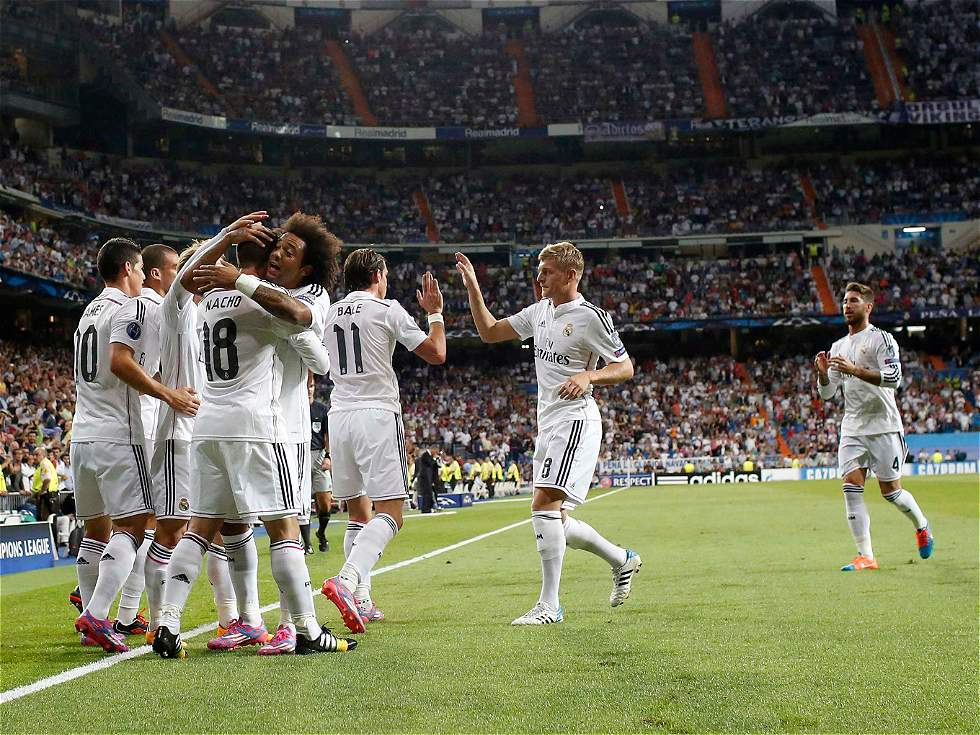 Real Madrid, con gol y pase de James, fascinó en el Bernabéu