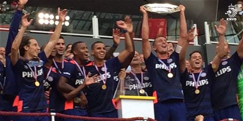 Santiago Arias se consagró campeón con PSV, de la Supercopa de Holanda