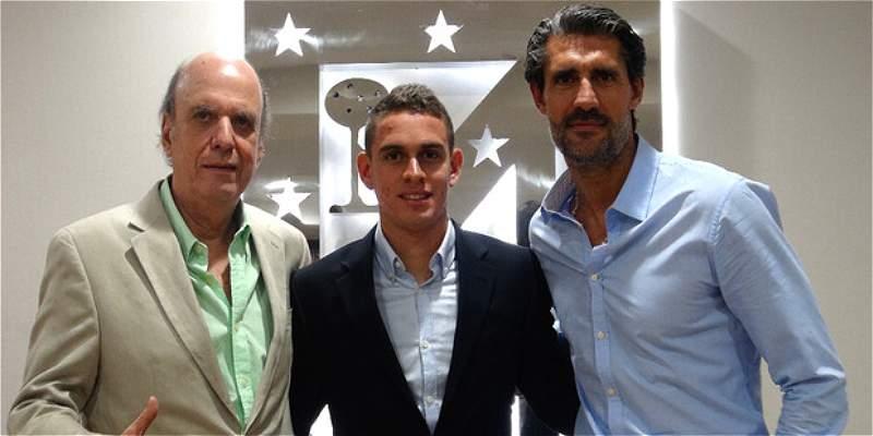 Rafael Santos Borré firmó con Atlético de Madrid