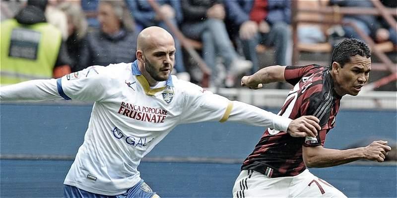 Carlos Bacca marcó y Milan remontó: 3-3 contra Frosinone