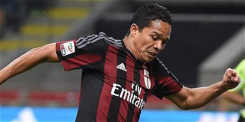 Carlos Bacca no participará con el Milan en la gira por Estados Unidos
