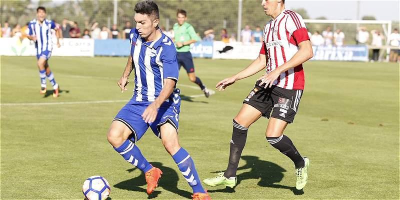 Daniel Torres jugó sus primeros minutos con Alavés, en juego amistoso