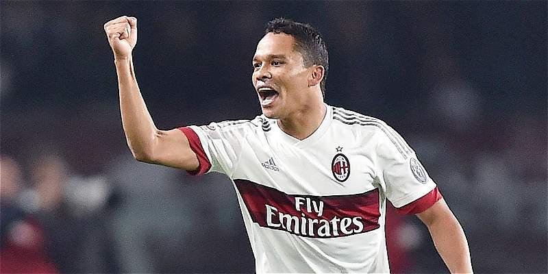 Gol de Carlos Bacca le dio el empate a Milan contra Torino 2-2