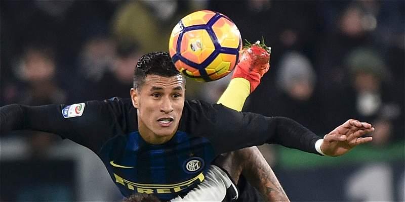 Jeison Murillo se retiró con una lesión en el duelo Bolonia vs. Inter