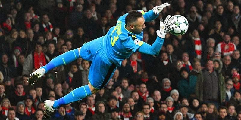 Arco del Arsenal, a la espera de David Ospina por lesión de Petr Cech