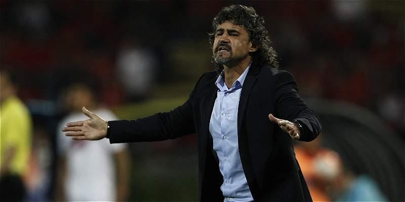 Cerro Porteño confirmó vinculación de Leonel Álvarez como su nuevo DT