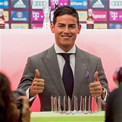 Las mejores fotografías de la presentación de James con el Bayern