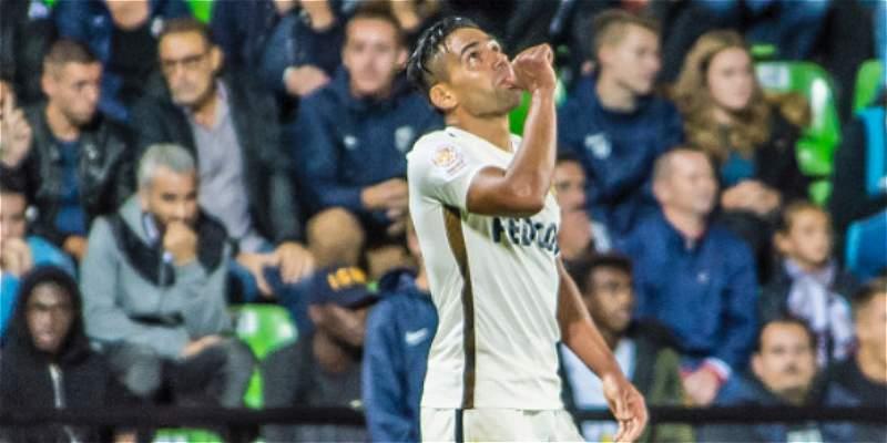 Mónaco celebra de la mano de Falcao, 15 partidos seguidos con victoria