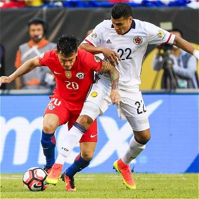Colombia 'durmió' 10 minutos, cayó 2-0 con Chile y final de un sueño