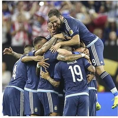 Argentina vs. Chile, un duelo de 'titanes' por el título de la Copa