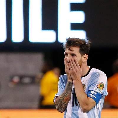 Fotos: Messi y otros futbolistas que han errado penaltis históricos