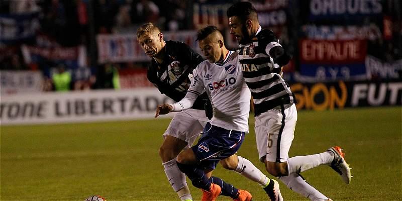 Nacional y Corinthians no se hicieron daño y empataron sin goles