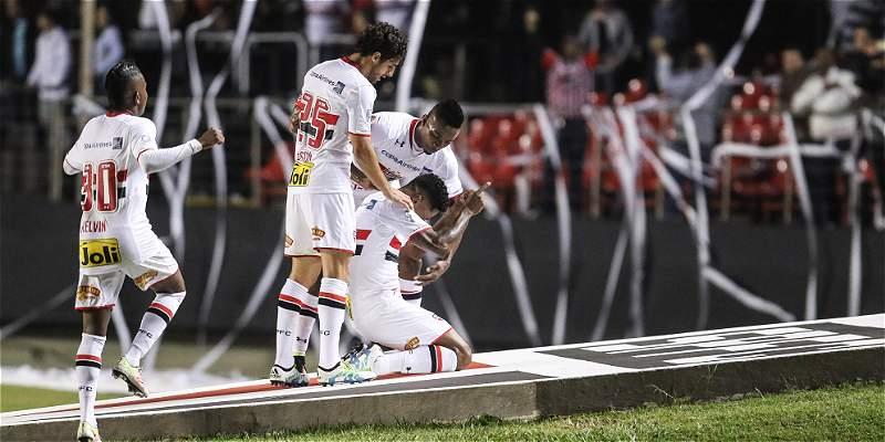 Sao Paulo goleó por 4-0 a Toluca y puso un pie en cuartos de Copa