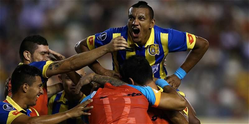 Capiatá sorprendió a Universitario y le ganó 3-0 en Libertadores