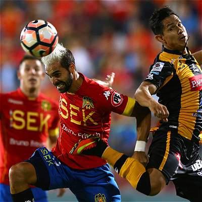 Unión Española salvó un punto al final: 1-1 con The Strongest, en Copa