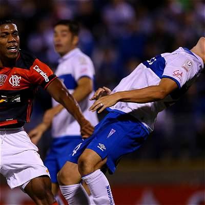 Universidad Católica lidera su grupo en Copa: derrotó 1-0 al Flamengo