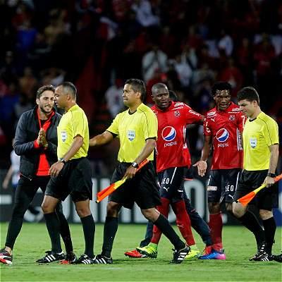 'El árbitro fue determinante en el trámite y resultado': Luis Zubeldía