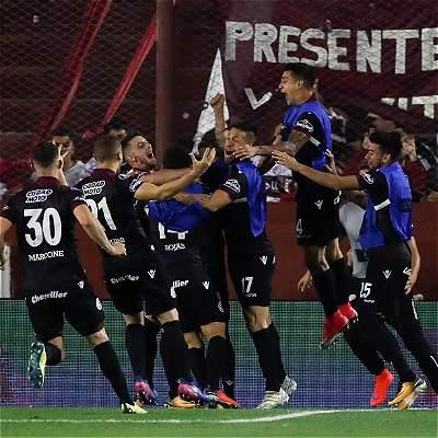 Lanús, primer finalista de Libertadores tras vencer 4-2 a River Plate