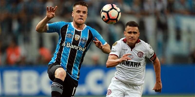 Gremio venció 1-0 a Lanús en juego de ida de la final de Libertadores