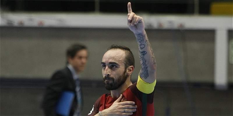 Portugal derrotó 3-2 a Azerbaiyán y clasificó a \'semis\' del Mundial