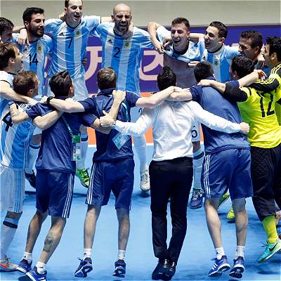 Argentina celebra