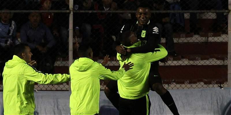 Nacional se alzó con un empate 1-1 con Bolívar, en altura de La Paz