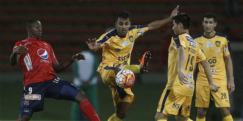 Medellín dio un gran paso en Copa Suramericana: le ganó 3-0 a Luqueño