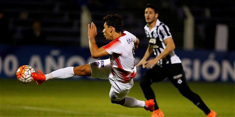 A Junior le faltó definición en Uruguay: empató 0-0 con Wanderers