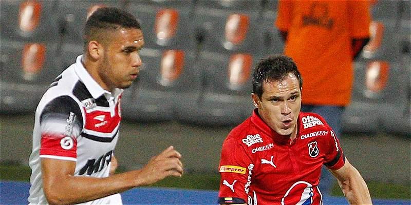 Medellín sacó una buena diferencia en Copa: venció 2-0 a Santa Cruz