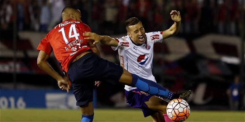 Medellín acrecentó su crisis y se quedó sin Copa: perdió 2-0 con Cerro