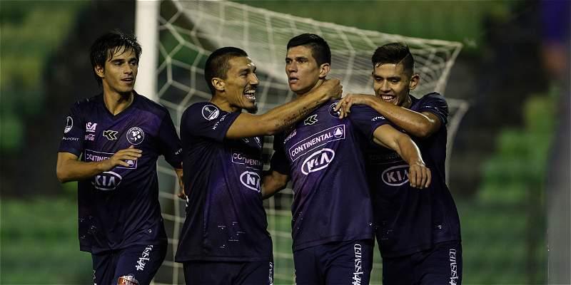 Sol de América ganó 2-3 en visita al debutante Estudiantes de Caracás