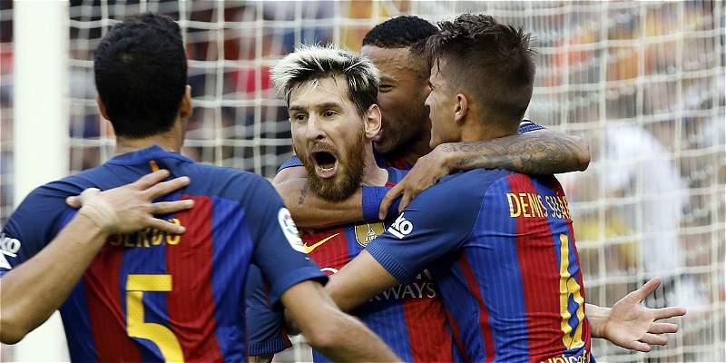 Messi, Suárez y Neymar estrenan carro gracias a su patrocinador