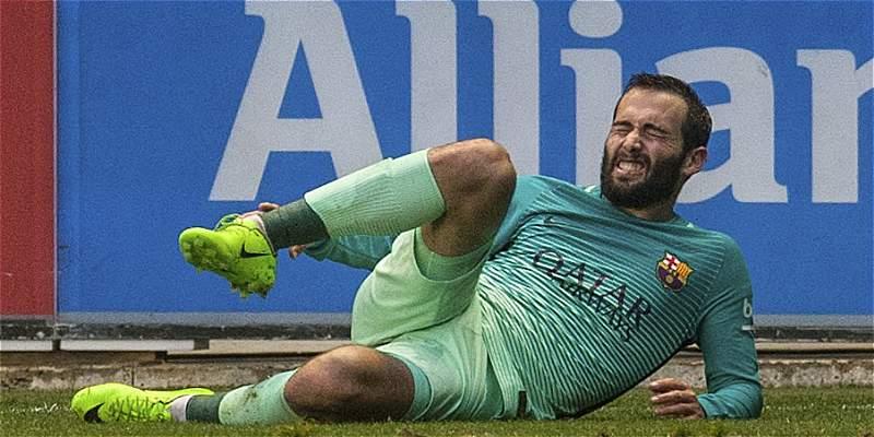 Así fue la impactante lesión del defensor Aleix Vidal contra Alavés