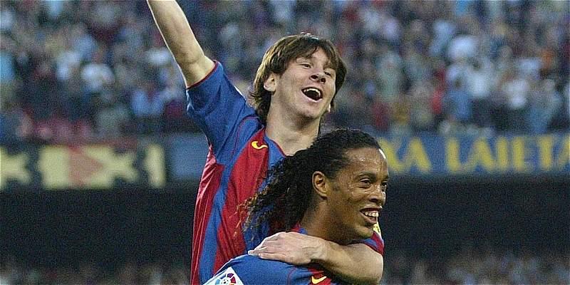 Ronaldinho felicita a Messi