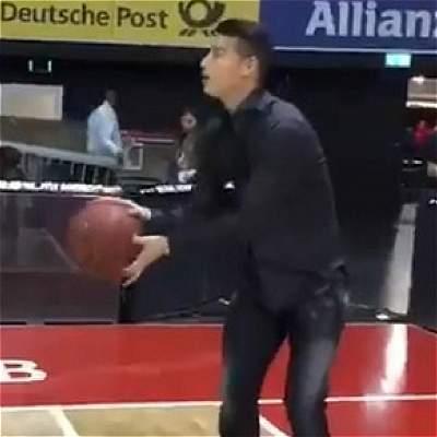 James Rodríguez baloncesto