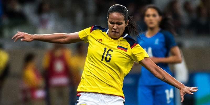 Lady Andrade, nueva jugadora del Santa Fe femenino
