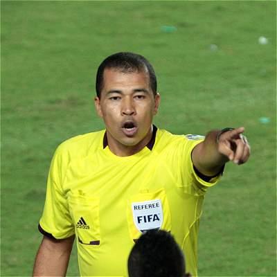 Adrián Vélez árbitro