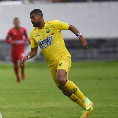 'Pecoso' Castro debutó con triunfo en Bucaramanga: 2-0 sobre Alianza