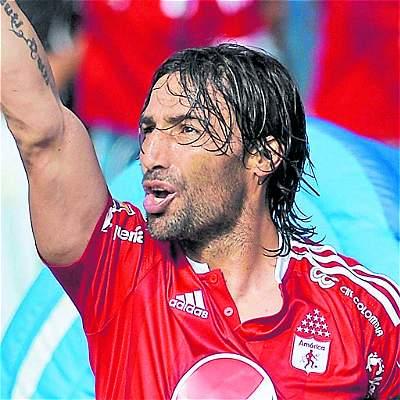 Ernesto Farías