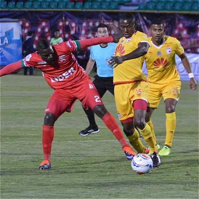Patriotas Boyacá y Santa Fe empataron 0-0 en regular encuentro