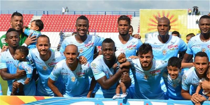 Jaguares sufrió en casa pero firmó un valioso 2-0 contra Envigado