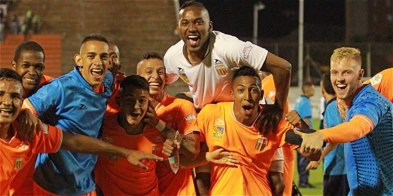 Envigado sigue ganando en la Liga: superó 1-2 a Alianza en 'Barranca'