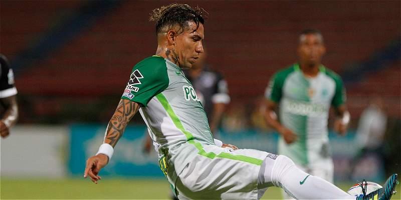 'Los goleadores debemos insistir hasta que el árbitro pite': Dayro